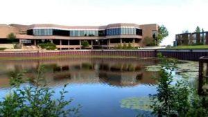 Lakehead University - 湖首大学